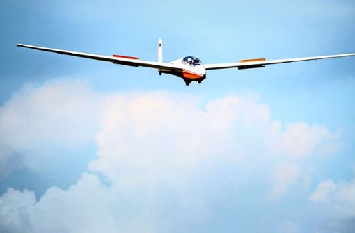 Elegant schweben die Segelflugzeuge durch die Lüfte. Foto: dpa