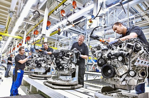 In Untertürkheim baut Daimler hoch effiziente Verbrennungsmotoren, die über kurz oder lang durch Eletromotoren ersetzt werden Foto: Daimler