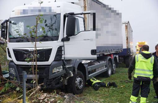 Lkw-Fahrer stirbt am Steuer