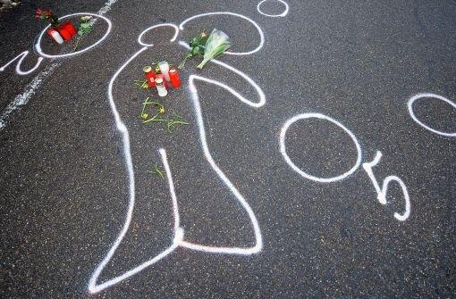 """Der Vater des Amokläufers sprach allen Opfern und Angehörigen sein Mitgefühl aus. An seinen Sohn gewandt sagte er, es tue ihm leid, dass er Tims Not nicht erkannt habe. Unter Tränen fügte er hinzu: """"Du fehlst mir."""" (Archivbild) Foto: dpa"""