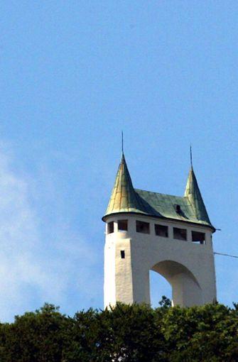 """Pfullinger Schönbergturm: Der Turm wird auch """"Onderhos"""" genannt, da er wie eine lange Unterhose aussieht. bService: /bSchönbergturm,  Pfullingen. Öffnungszeiten: täglich rund um die Uhr. Weitere  Infos beim Rathaus  a href=https://www.pfullingeronderhos.de/data/kioskOeffnungszeiten.php target=_blankunter Telefon 07121/70300 oder www.pfullingeronderhos.de./a Foto: dpa"""