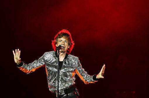 Mick Jagger tänzelt so beweglich über die Bühne wie eh und je. Foto: AP