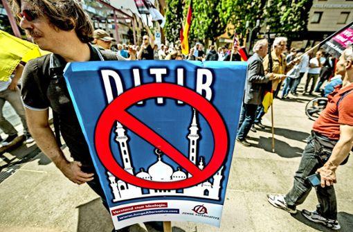 Demo gegen Ditib-Moschee  verläuft laut Polizei ruhig