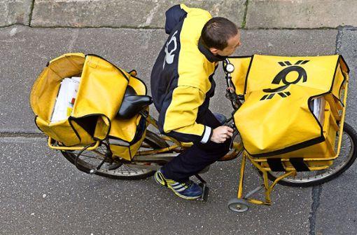 Briefträger lässt mehr als 7600 Briefe zu Hause liegen