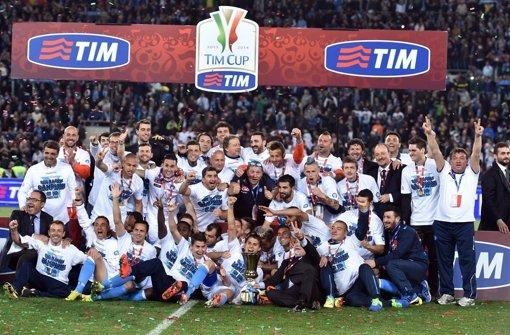 Neapel holt den Pokal