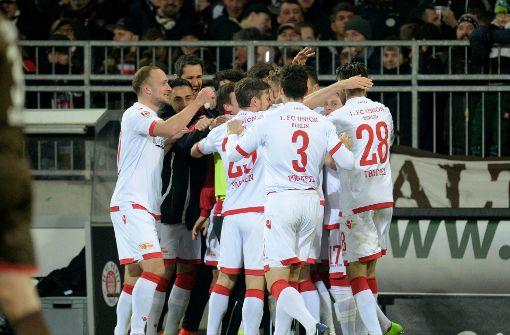 Union Berlin festigt Platz zwei hinter Stuttgart