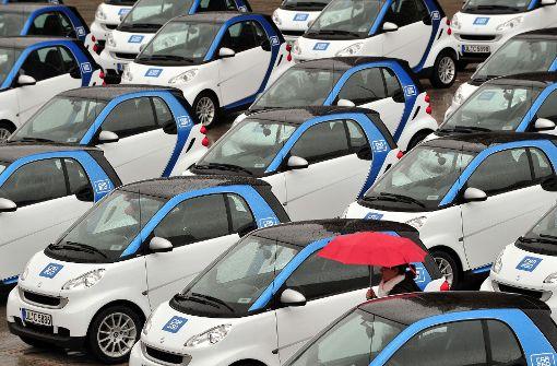 Im Stuttgarter Stadtgebiet stehen 550 Car2go-Fahrzeuge zur Verfügung. Neben den E-Smarts umfasst die Flotte inzwischen auch 50 elektrisch betriebene B-Klassen. Foto: dpa