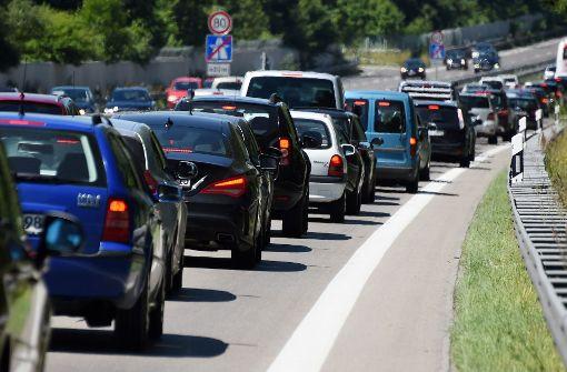 Hoher Schaden nach Lkw-Unfall