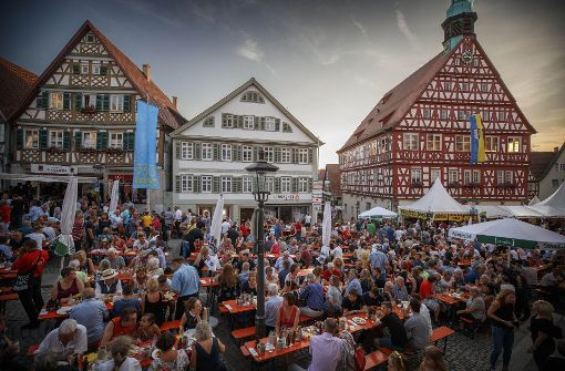 Die Eröffnungsfeier des Straßenfests  steht in der Kritik