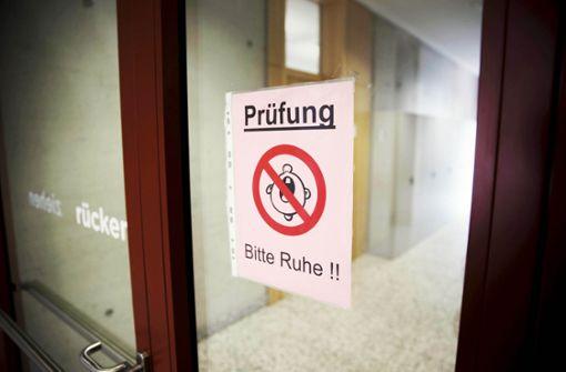 Die Deutschprüfung für Realschüler in Baden-Württemberg ist verschoben. Foto: Stoppel
