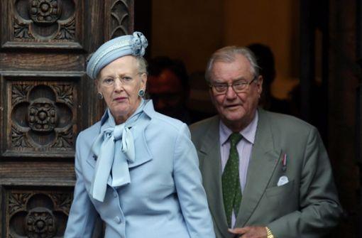 Der schwerkranke dänische Prinz Henrik ist am Dienstag von einem Kopenhagener Krankenhaus in die Königsresidenz Schloss Fredensborg gebracht worden. Foto: EPA