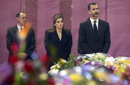 König Felipe und Letizia spenden Trost