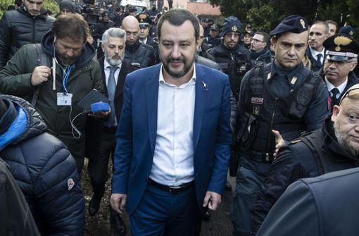 Klare Kante gegenüber Italien