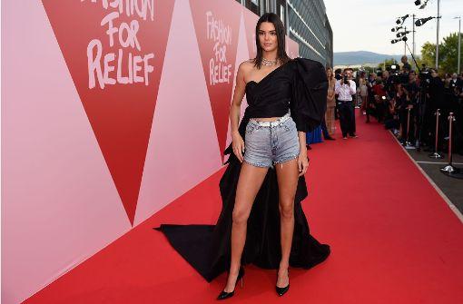 Bella Hadid und Kendall Jenner auf dem Catwalk