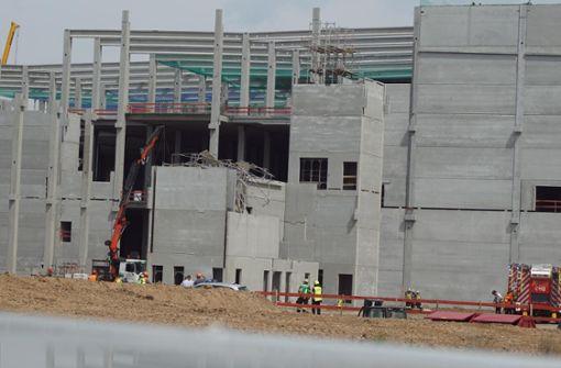 Bauarbeiter stürzt zwölf Meter tief