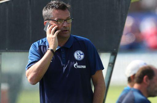 Schalke-Manager Christian Heidel rechnet dem VfB Stuttgart durchaus Chancen zu, um oben mitzuspielen. Foto: dpa