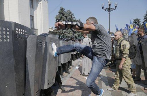 Blutige Proteste gegen Verfassungsreform