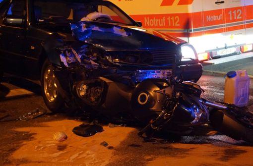 Verletzte bei Crash zwischen Pkw und Motorrad
