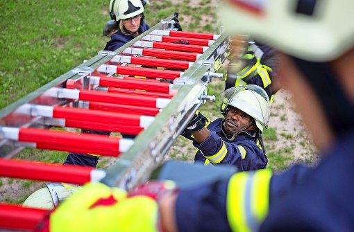 Ein Dorf sucht Frauen für die Feuerwehr