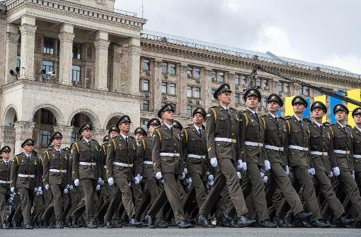 Parade zum Unabhängigkeitstag: Die Ukraine setzt stark auf ihr Militär. Foto: dpa