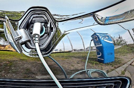 EU macht Druck bei Elektroladesäulen