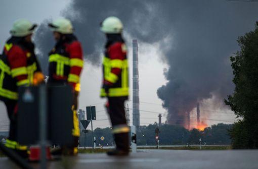 Auf einer Raffinerei bei Ingolstadt ist ein Großbrand ausgebrochen. Foto: dpa