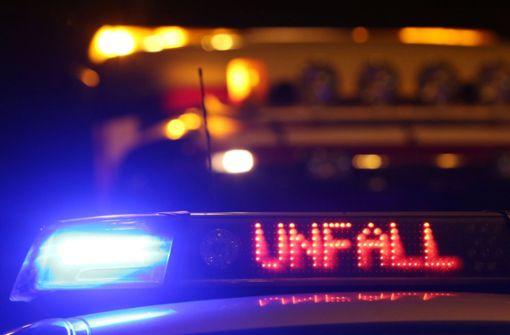 Zwei Schwerverletzte bei Unfall auf Markgröninger Straße