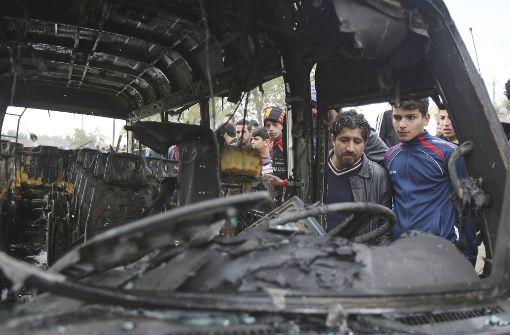 Autobombe tötet mehrere Menschen