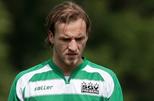 Calcio verpflichtet neuen Stürmer