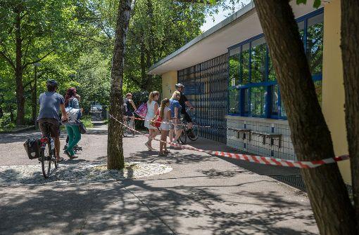Das Freibad in Stuttgart-Vaihingen musste am Sonntag geschlossen bleiben. Foto: Lichtgut/Julian Rettig