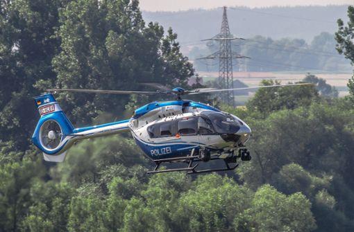 Hubschrauber sucht nach Brandstifter