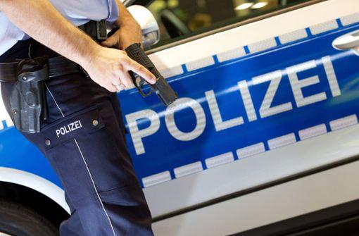 Polizist nach Schuss in den Hals gestorben