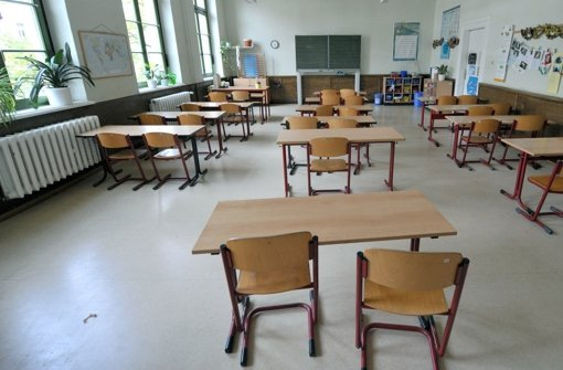 In einem Reutlinger Klassenzimmer bleiben die Reihen erst einmal leer. (Symbolbild) Foto: dpa-Zentralbild