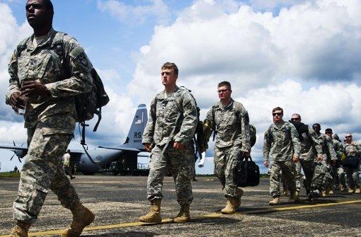 Soldaten der 101. US-Luftlandedivision auf dem Flughafen der liberianischen Hauptstadt Monrovia. Foto: AFP