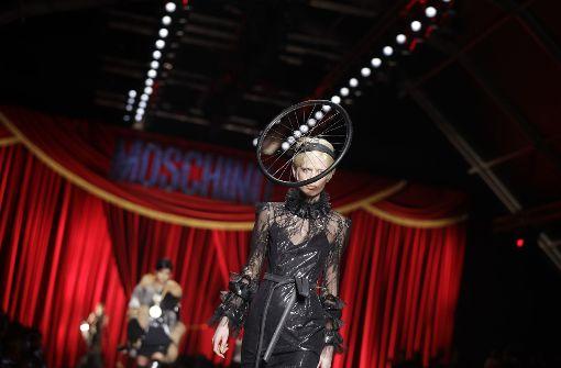 Gucci und Moschino machen neue Mode von gestern