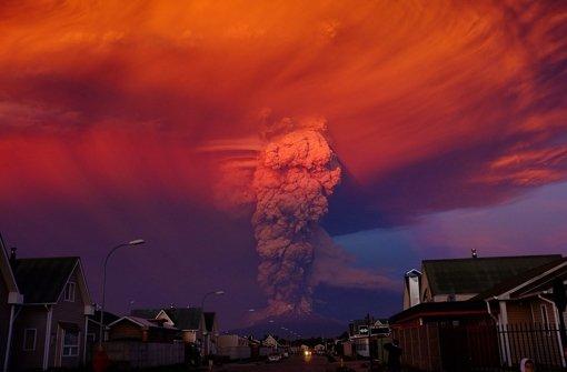 Menschen fliehen vor Vulkanausbruch