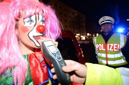 Am Alkomat der Polizei ist für Narren der Spaß vorbei (Symbolbild). Foto: dpa