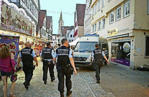Die Zahl der Polizisten, die auf dem Gelände patrouillieren, wurde deutlich erhöht. Foto: Gabriel Habermann