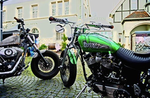 harley und us car treffen in stuttgart starke bikes massige pickups stuttgart stuttgarter. Black Bedroom Furniture Sets. Home Design Ideas