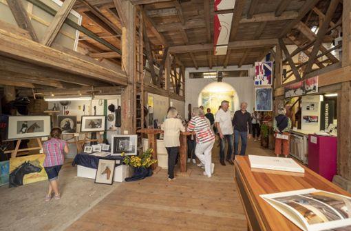 Ein ehemals landwirtschaftliches Gebäude  ist heute ein Atelier. Foto: factum/Weise