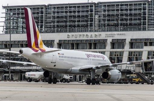 Schleuser finden stets neue Wege – auch Passagierflugzeuge dienen als Transportmittel Foto: dpa