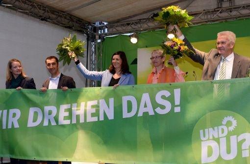 Die Spitzenpolitiker der Partei Bündnis 90/Die Grünen, von links: Thekla Walker (Landesvorsitzende Baden-Württemberg), Cem Özdemir (Bundesvorsitzender und Direktkandidat im Wahlkreis Stuttgart), Katrin Göring-Eckardt (Spitzenkandidatin), Birgitt Bender (Kandidatin) und Winfried Kretschmann (Ministerpräsident von Baden-Württemberg) Foto: dpa