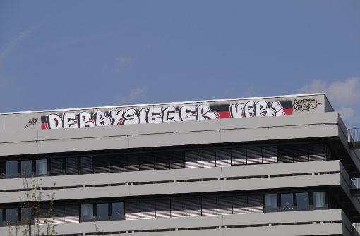 Das Graffito der VfB-Ultras an der Uni Karlsruhe. Foto: www.7aktuell.de/Aaron Klewer