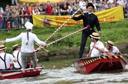 Fischerstechen und  Drachenbootrennen