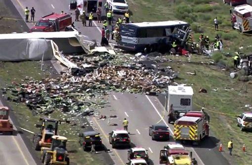Der schwere Verkehrsunfall hat sich... Foto: KQRENews13