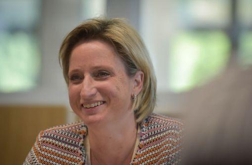 Ministerin Hoffmeister-Kraut färbt Situation schön