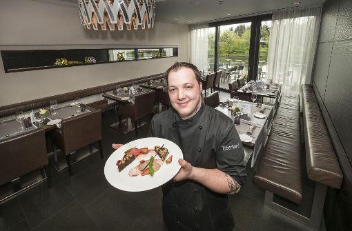 Eberhards in Bietigheim-Bissingen – Im Restaurant des Olymp-Chefs in Bietigheim-Bissingen verantwortet nun Marc Weiss die Küche. Weil der Besitzer ein Faible für asiatisches Essen hat, wird dies ebenfalls serviert. a href=http://www.stuttgarter-nachrichten.de/inhalt.restaurant-test-eberhards-in-bietigheim-bissingen-das-neue-hemd-zwickt-noch-an-manchen-stellen.3ecbe93b-a91a-435d-acb7-074e16c29fe6.html target=_blankHier geht es zum Test/a. Foto: factum/Weise