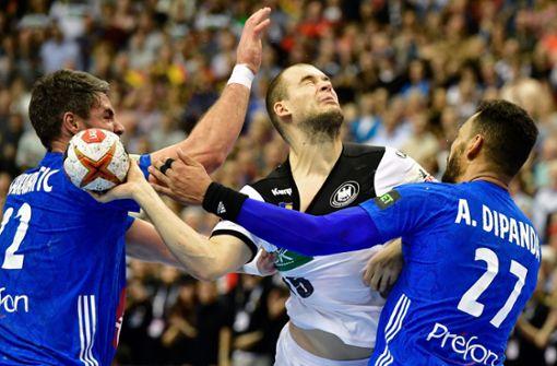 Was der Fußball vom Handball lernen kann