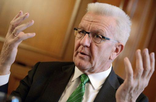 Winfried Kretschmann hat die Bahn scharf kritisiert. (Symbolbild) Foto: dpa