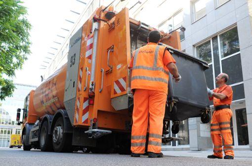 Hitzewelle in Stuttgart: Die Stadt lässt die Mülleimer deswegen eine Stunde früher leeren. Foto: dpa